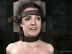 Bawdy porn slut Endza toy fucked in hardcore BDSM XXX video