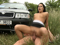 Shameless chick is getting bangoli pon with her BF outdoors