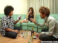 Shy Asian girl gets seduced by duo of horny moena peluda zapopan guys