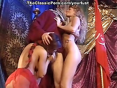 Dark haired cowgirl and bootylicious elaa sec blondie enjoy hot MFF threesome