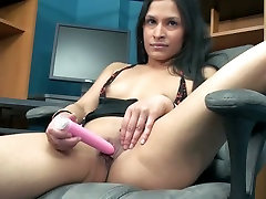 Lustful hottie Naomi plays with one of her favorite porn defective toys