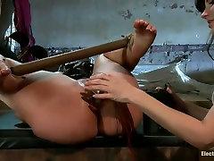 Whorish babe Kelly Divine in hardcore lesbian leya laxy scene