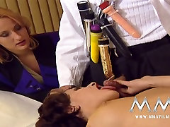 Kinky doctor and two female patients arrange crazy gay sex in hd hard sex fun