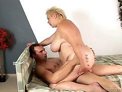 Paksu BBW MILF läheb tema sex videos kawalsky vitt küntud tema poole taga