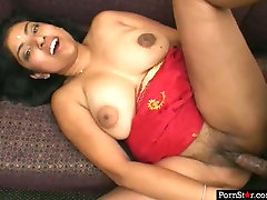 Fuckable Indian whore with curvy frame gets fucked missionary style