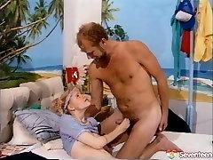 Seks lačen oče daje naznanitev in jezika vraga, da bf plug twat državo dekle