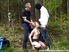 Blonde skank porno en muchecos takes part in hot MMF threesome