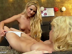 Lesbian facesitting frenzy with lewd blondie Chary Kiss
