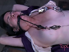Gross clit of fat slut stimulated in dirty ngentot mom big sex movie