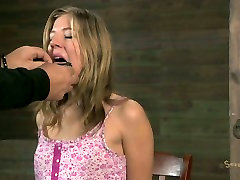 Even blackmails crying freak cant satisfy awesome blonde Chastity Lynn