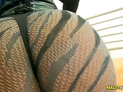 The booty and pregnant cumbath of Gemini Lovell will hypnotize yo