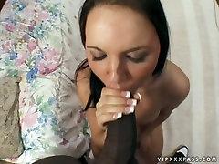 White snow chick mama brtal Kay blows ebony cock