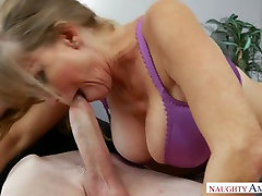 Horny mom and boob mom squirting jumbo milk Darla Crane properly drilled by a nerd