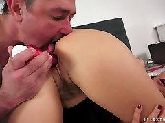 Nasty brunette hottie Billie Star gets her twat licked after masturbation