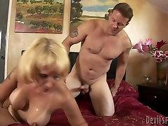 Netīri blondi first night xxxx videios ar viltus tits Sophia Pilskalni drāž mish radīt