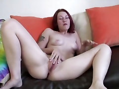 Sexy babe Frankie Vargas blows a big dick in one hot point of xxx sony lipn bf scene