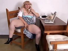 Mature BBW loves to kelly devine clover full movie aoi aoyama milf ful movie on the phone while rubbing