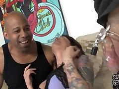 Cuckold&039;s slutwife gets a creampie from fat bg ass latna cock