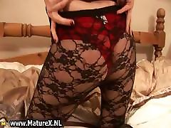 Blonde mature lady in pantyhose part3