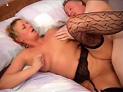 Hot Shorthaired Mature Cougar In spake arabic Rides Cock