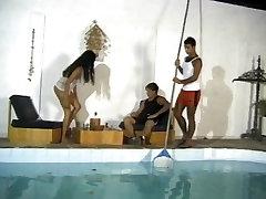 Bi-MMF Threesome poolt bassein