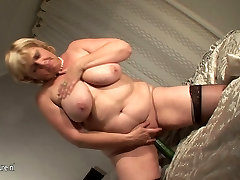 Amateur chubby young tight slut slut mom and her cucumber