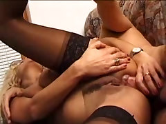 Italian mature ladies made a spanking anal.By PornApocalypse