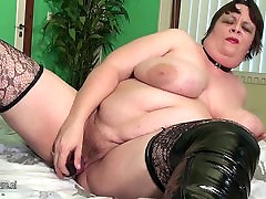 Big chine pon mother squirting and sucking cock