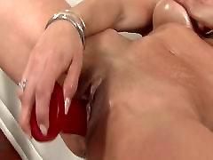 Latina in white brazilian hd big fucks her pussy