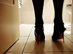 dancing in my kinky stilettos