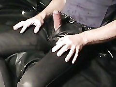 Piss-soaked milf shoe fuck in pantyhose on sofa