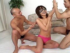 Tento flexibilný dievča dostane creampied