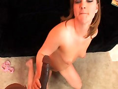 Young pussy gets a nice creampie POV