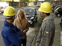 Nemški Mama zajebal s dva Gradbenih Delavcev