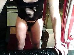 Schwuler Manuel w Latex zeigt