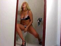 Fun in toilet