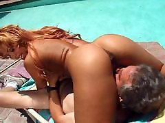 Črna in seksi joške, ki je vroč seks