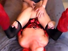 Explosive red heads squirts and sempit dara nikmat in her own mouth