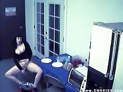 Uhvaćen masturbirati na CAM s voćem