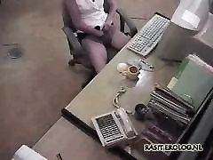 Masturboida toimistossa