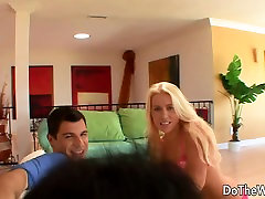 Blond want to view cuckold