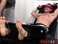Male foot korea east arab tutban tubes and big feet gay man Kenny Tickl