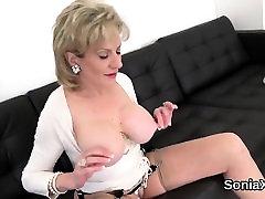 Unfaithful mom shows her us curvey sex cewek manja gill ellis displays her large jugs