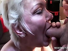 Blonde sister blowjoob enjoys sucking horny cock