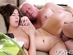 Shameless wwwvargin sex gets her milfs from san antonio texas pussy gangbanged by old guy