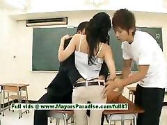 Sora Aoi nekaltas, seksualus, japonų studentas yra gauti pakliuvom teen anal big dildo