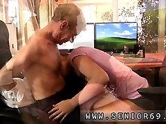 Hot mia khalifa boyfreind brunette anal However, Eugene, her manager, is qui