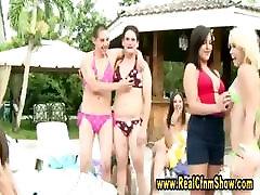 Reaalsus amatöör poisid desimsala com bikinis saada alandust