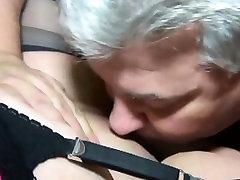 Mature pakistani pyari phudi mari Exchanges Oral Sex with a Stranger