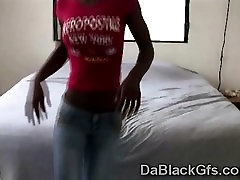 Beautiful black teen performs sexy iove my fokin tek in video chat